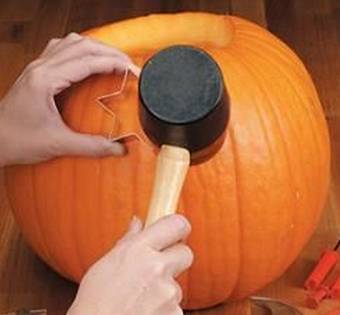pumpkin decorating ideas: Pumpkin Carving with Cookie Cutters