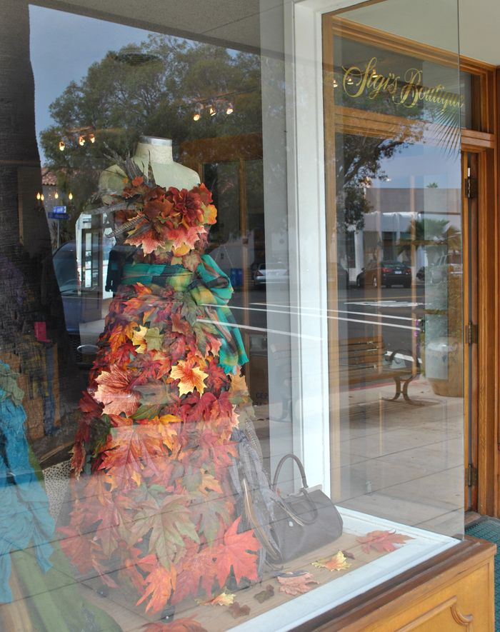 Retail blog small business marketing ideas tips bags for Boutique window display ideas